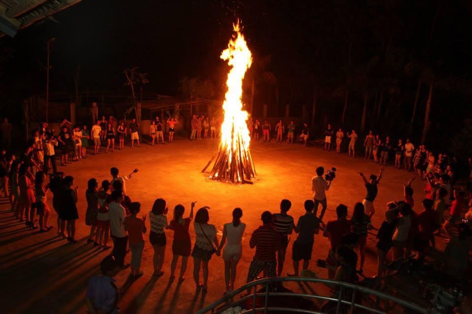 Lửa Trại ở Cam Bình Resort - Du Lịch Biển Cam Bình