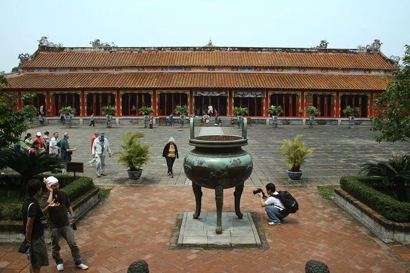 Đại Nội Kinh Thành Huế - Phú Sĩ Travel